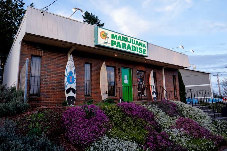 Marijuana Paradise a pot dispensary in Portland Oregon